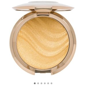 Becca award winning highlighters (five)